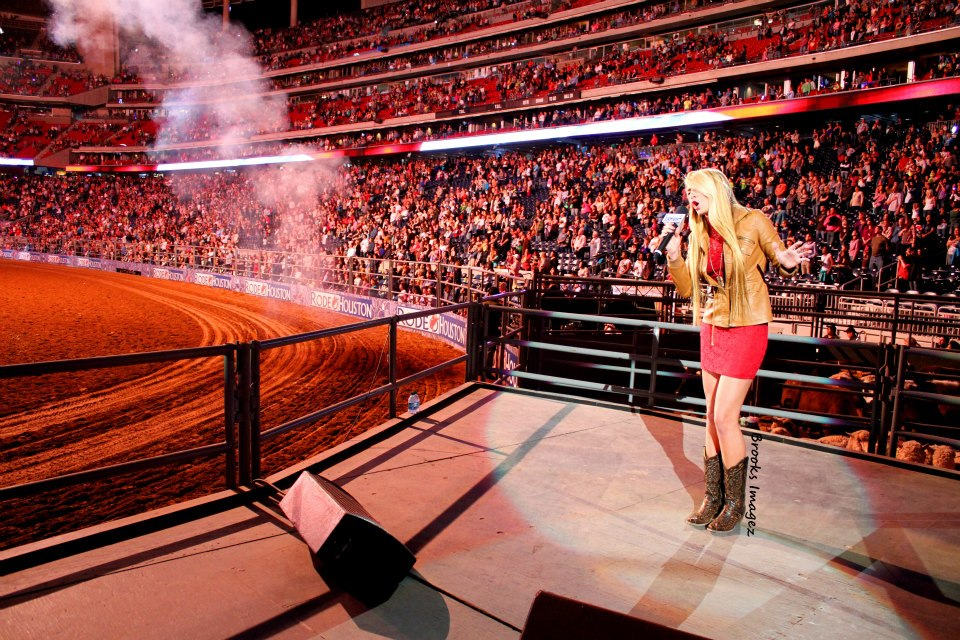 Julia Cole brings down the house at the Houston Rodeo